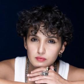 Lesbienne, musulmane et banlieusarde: Fatima Daas, auteure aux identités plurielles - Portrait