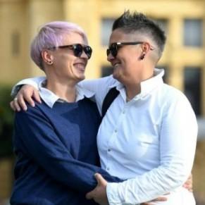En Croatie, le voile est levé sur l'histoire d'amour de deux nonnes - Documentaire