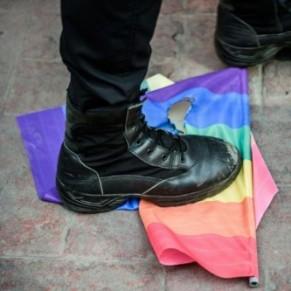 Un groupe de 15 livreurs de kebab agresse 5 gays à Ankara - Turquie