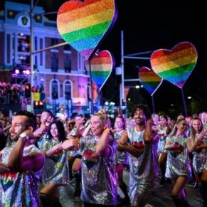 La grande parade du Mardi Gras gay de Sydney aura lieu dans un stade - Australie