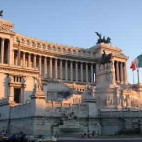 Le parlement italien adopte une loi contre l'homophobie et la transphobie - Italie