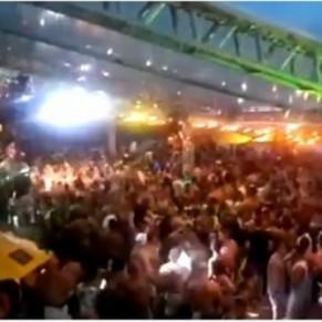 Une fête gay rassemblant 2.000 hommes sans masques interrompue par la police - Rio de Janeiro