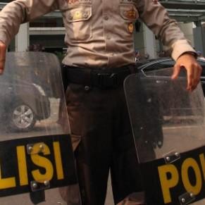 Un ex-policier renvoyé à cause de son homosexualité perd son procès pour être réintégré - Indonésie