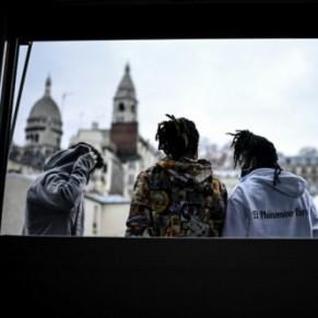 A Paris, une colocation pour des lesbiennes exilées en errance - Réfugiés