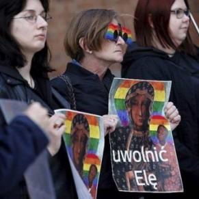 Trois militantes polonaises jugées pour avoir auréolé la Vierge d'un arc-en-ciel - Pologne