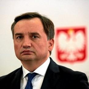 La Pologne veut instaurer une loi rendant illégale la censure des contenus haineux - Réseaux sociaux