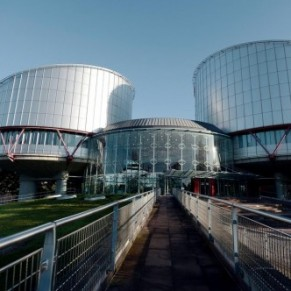 La Roumanie condamnée pour avoir refusé de reconnaître deux hommes trans sans chirurgie - Cour européenne des droits de l'homme