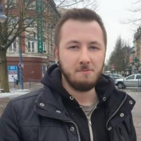 Un jeune gay confronté à un médecin qui lui propose de <I>régler son problème d'homosexualité</I> - Arras