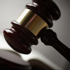 Un père condamné pour avoir forcé des prostituées à agresser sexuellement son fils qu'il croyait gay - Malte