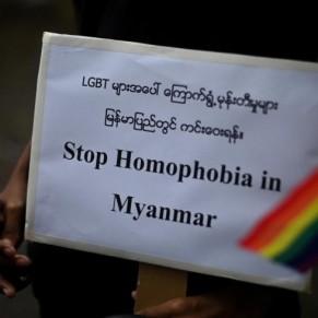 La communauté LGBT dans la rue avec les manifestants contre la junte  - Birmanie