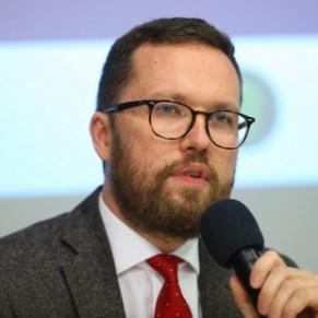 Protestations contre la nomination d'un délégué polonais homophobe au sein du comité des droits LGBT - Union européenne