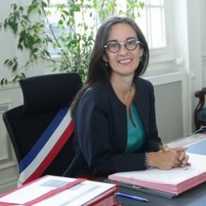 La Maire du 12ème arrondissement de Paris porte plainte après un courrier d'insultes lesbophobes - Homophobie