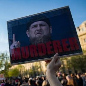 Sanctions de l'UE contre deux responsables tchétchènes ayant torturé des homosexuels - Russie