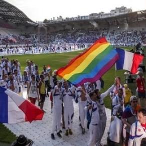 L'inclusion des personnes LGBT toujours sur le banc de touche, selon les associations - Loi Sport