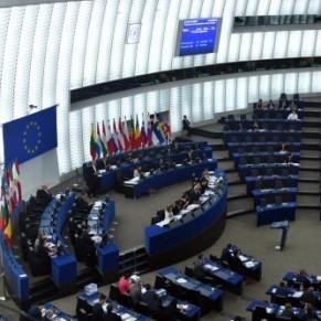 L'inaction des institutions de l'UE dénoncée par les eurodéputés - Hongrie / Droits LGBT