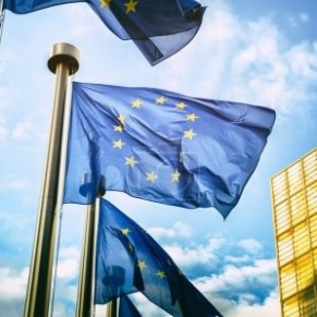La Commission européenne a lancé des procédures d'infraction contre la Hongrie et la Pologne  - Droits LGBT