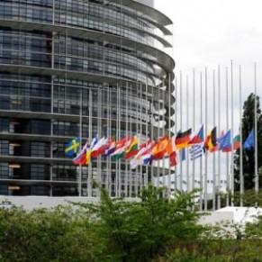 Le Parlement européen réclame une reconnaissance des unions homosexuelles dans toute l'UE - Europe / Droits LGBT