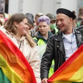 7.000 personnes ont défilé pour les droits LGBT à Kiev  - Ukraine