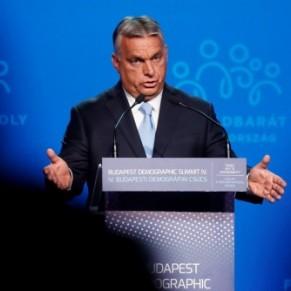 La droite identitaire anti-LGBT réunie autour d'Orban - Somment international